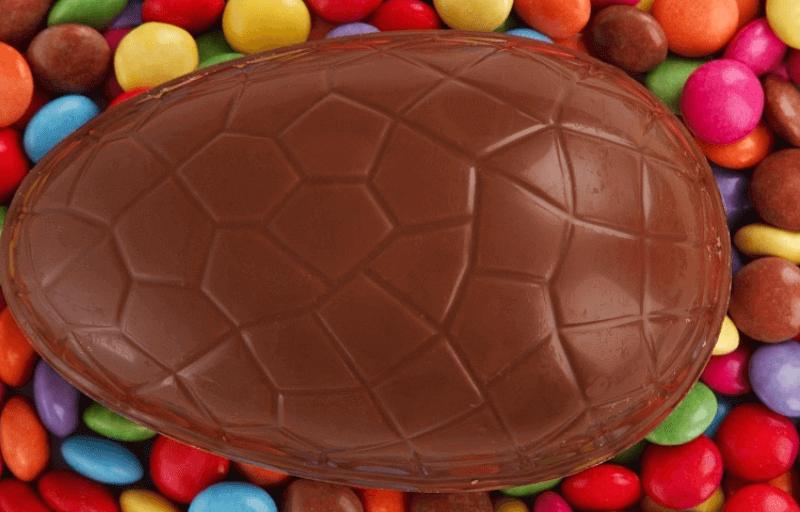 redes-sociales-el-niño-que-come-chocolate